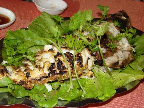 Cá mú nướng đậm đà hương vị biển đảo