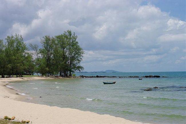 Nét đẹp hoang sơ của bãi biển Cửa Cạn