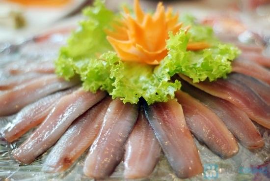 Món gỏi cá trích ngon tuyệt tại Bãi Khem