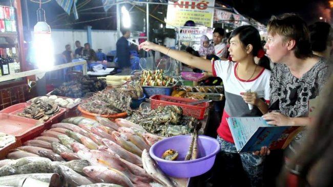 Chợ đêm Phú Quốc với ẩm thực độc đáo