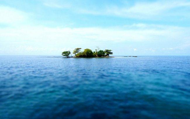 Hòn đảo nhỏ gần Bãi Dài