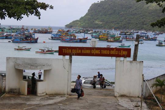 Quân và dân trên đảo bảo vệ chủ quyền biển đảo thiêng liêng của Tổ quốc